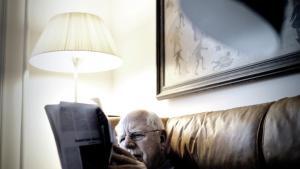 I sidste uges tillæg skrev Peter Nielsen i en kommentar til Rifbjergs død, at han var en litterær gigant, men at han også indirekte i kraft af sin dominans har været med til at skabe et mere ensidigt og snævert litteratursyn her i landet. Det har foreløbig fået Hans Peter Lund og Ida Jessen til deltage i debatten, som fortsætter i de kommende tillæg.