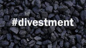 En global bevægelse har taget fart for at afvikle investeringer i fossile brændsler såsom kul, olie og gas