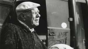 Knud Larsen var kendt for sine gode kartofler på torvet i Aarhus og Skanderborg. Og for sin livslange kamp mod 'styrelser', 'akademikere' og 'socialdemokrater'