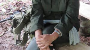 'Det er svært at sige, om jeg har slået ihjel. Jeg har været med i mange kampe, og i kamp skyder man. Men man ved ikke, om ens kugler har slået nogen ihjel ,' siger Yurisara García, guerillasoldat i FARC.