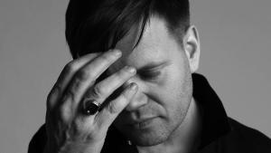 Anders Trentemøller er lidt vokalt udfordret på sit nye album, men ellers er albummet meget vellykket
