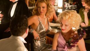 En ung mandlig melankoliker bliver ulykkeligt forelsket og dygtig til at mingle i 1930'ernes elegante Hollywood og hysteriske New York. 'Café Society' er en klassisk – og vellykket – Woody Allen-film