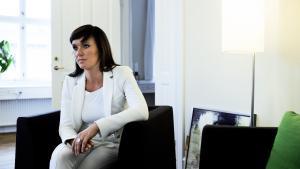 Sundhedsminister Sophie Løhde afviser at justere på udredningsretten. Og kaldte det »en misforståelse« fra lægernes side, når den blev koblet sammen med en travl og hektisk arbejdsdag: »Udredningen kan godt strække sig over mere end 30 dage, især når man har med børn og unge at gøre,« sagde ministeren på samråd mandag.