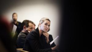 Heyn Nielsen konstaterer i sin bog, at Mette Frederiksens ægthed som socialdemokrat snarest består i den tilknytning, som hendes familie har til partiet.