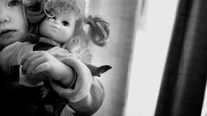 Siden 2009 er andelen af genindlæggelser i børne- og ungepsykiatrien fordoblet. Udviklingen risikerer at gøre børnene mere syge, mener SIND og Bedre Psykiatri.