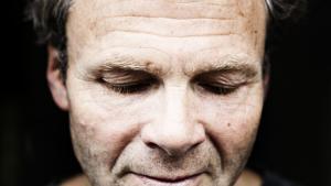 Olav Hergel er aktuel med spændingsromanen 'Punktum'.