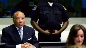 Ruslands beslutning om at forlade krigsforbryderdomstolen i Haag får ikke de store praktiske konsekvenser, vurderer to eksperter i krigsforbryderopgør. Men manglen på respekt for international justits er dybt foruroligende