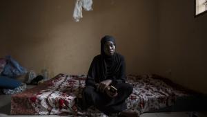 Fatoumatta Sendeng er datter af den myrdede oppositionspolitiker Solo Sendeng. Siden drabet har hun levet i eksil i Senegal, men nu ser det ud til, at hun snart kan vende hjem igen.