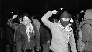 Hvis unge i dag skulle få lyst til at søge radikale fælleskaber og for alvor gøre oprør mod det bestående, forekommer rockerbander eller Hizb ut-Tahrir som det mest oplagte valg