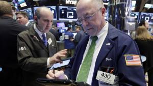 Stik mod forudsigelserne steg aktiekurserne på Wall Street efter valget af Donald Trump som USA's præsident. Spørgmålet er, om optimismen varer ved.
