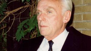 Som ung studerende i starten af 20'erne optrådte Niels Kofoed på Nordisk Kollegium med nogle revytekster, han selv havde skrevet. Lige dér faldt den tre år ældre Inger Berggreen, der var sygeplejerske, for ham, og derfra var de uadskillelige