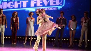 Silas Holst, der spiller rollen som Tony Manero i den nyklassiske 'Saturday Night Fever', danser ifølge Informations anmelder som en drøm. Foto:Jan Unger/Polfoto