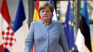 I sin bog beskriver Robin Alexander, hvordan Merkel ufrivilligt og på vaklende ben trådte ind i rollen som 'flygtningekansler', og hvordan den uventede opbakning fra Tysklands borgere og de uplanlagte selfies sammen med flygtninge kom til at bidrage til kanslerens nye image.