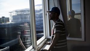Abdi H blev først kørt over af en bil, så blev han snydt for et statsborgerskab på grund af en kommunal 'svipser', hvor Folketinget ikke fik alle oplysninger. Nu erklærer flere ordførere sig rede til at kigge på hans sag igen.