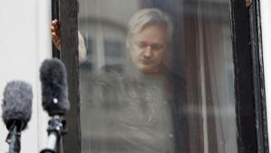 Den svenske beslutning er altså ikke en hvidvaskning af Assange, hvis image efter ti år i det globale rampelys er mere end blakket.