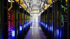 Efter længere tids uvished står det nu klart, at Google kan følge i hælene på Apple og Facebook med et datacenter i Danmark. Planen har indtil nu været fortrolig, men et regnskab fra grundens ejere afslører forbindelsen til it-giganten. Google bekræfter købet