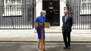 Theresa May foran embedsboligen Downing Street 10