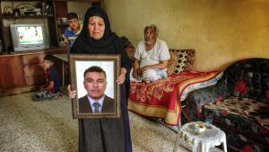 Zuhaira Khalaf ved, hvem der henrettede hendes søn. Alligevel har myndighederne endnu ikke anholdt nogen.