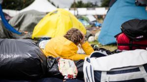 Roskildesyge er en smitsom viruslidelse, der kommer pludseligt med opkastninger, diarré og mavesmerter. I den forløbne uge har medierne været fyldt med historier, der giver de samme symptomer. Men medierne overser, at Roskilde Festival også har et ansvar for, at sygdommen spreder sig