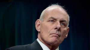 Det Hvide Hus håber, at den tidligere general John Kelly vil skabe orden i West Wing, »som han før har gjort det på slagmarken og som kabinetssekretær«.