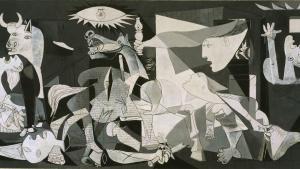 Imponerende udstilling i Madrid viser den større og komplekse historie bag tilblivelsen af alle tiders mest kendte antikrigsværk, Picassos 'Guernica'. Når bomberne i dag regner ned over Aleppo i Syrien, så er det stadig det 80 år gamle kunstværk, der bedst skildrer krigens gru. Værket er mere end bare en skildring af krigen, det er også en blotlægning af hele den moderne kulturs selvdestruktive tendens