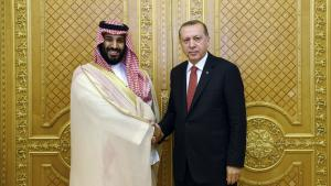 Tyrkiet har stillet sig på Qatars side i den aktuelle konflikt, og Nationalforsamlingen i Ankara ratificerede i sidste uge en overførsel af 3.000 soldater til Doha, hvilket svarer til en tredjedel af emiratets samlede militære styrke. Det skete efter en resultatløs rundtur i Golfen, hvor præsident Recep Tayyip Erdogan bl.a. talte med den saudiarabiske kronprins, Mohammed bin Salman.