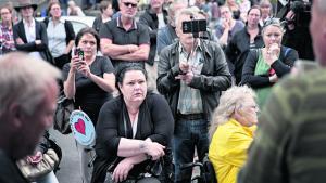Demonstration mod førtidspensionsreformens konsekvenser foran jobcenteret på Lærkevej i København. Dagens kronikør påpeger, at det, inden førtidspensionsreformen trådte i kraft i 2013, også var et krav, at man skulle have en omfattende, kronisk sygdom, og at alle behandlingsmuligheder var udtømte, før man kunne tilkendes førtidspension. Derfor er det forkert, når politikere hævder, at raske mennesker kunne få ydelsen.