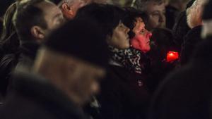 Tysklands højrefløj har et åbenlyst problem med fortiden. Og det hjemsøger også det nye højrefløjsparti Alternative für Deutschland, kan man læse i Jesper Vinds bog, 'Det nye tyske højre'. Her deltagere i en mindeceremoni for bombardementet af Dresdenarrangeret af netop AfD.