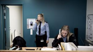 Der mangler personale i Storstrøm Fængsel. Derfor låses de indsatte inde i egne celler i længere tid