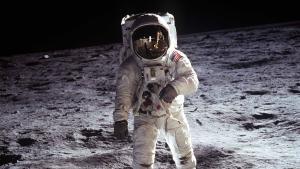 Rundt om Månen: Du kan ikke spille 'Fly Me To The Moon' deroppe