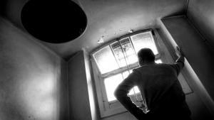 Langvarig isolation af indsatte er en barbarisk straf, som omgående burde afskaffes