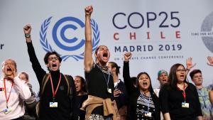 Så slap de unges tålmodighed op. Fridays For Future indtager hovedscene til klimamøde i Madrid