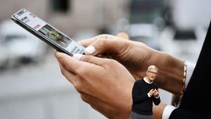 Apples nye sikkerhedstiltag, hvor brugerne vil få langt bedre styr på hvem der tracker dem på nettet, er en torn i øjet på internetreklamebranchen i almindelighed og Facebook i særdeleshed. Efter pres fra annoncører, appudviklere og Facebook, har Apple nu udskudt lanceringen af de nye tiltag til starten af det nye år
