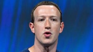Dokumenterne, som kommer via firmaet Six4Three, hvis app blev forbudt adgang til Facebooks brugerdata, kan muligvis kaste lys over hvor meget viden Facebook-boss Mark Zuckerberg havde om de sikkerhedshuller, som blev udbyttet af Cambridge Analytica