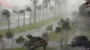 En undersøgelse viser at orkaner, der er navngivet med kvindenavne ofte gør mere skade end dem med mandenavne, fordi folk opfatter dem mindre farlige og derfor ikke tager de nødvendige forhåndsregler.