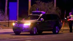 Det er, så vidt vides, første trafikoffer, der indvolverer selvkørende biler. Køretøjet, en Uber-vogn, havde chauffør ombord, men bilen var i selvkørende tilstand, da ulykken indtraf