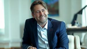 Det bliver den 43-årige pilotuddannede ambassadør Casper Klynge, der skal være Danmarks nye digitale ambassadør.
