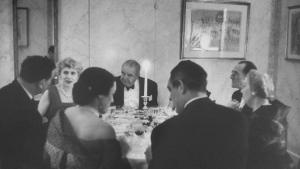 Millenials spiser, millenials fester, men slog de også middagsselskabet ihjel?