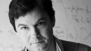 Præsident Xi Jinping er stor fan af Piketty, men de kinesiske myndigheder har krævet en række afsnit fjernet i forbindelse med en eventuel udgivelse af 'Kapital og ideologi' på kinesisk. Piketty afviser at lade bogen udkomme i en censureret version i KIna