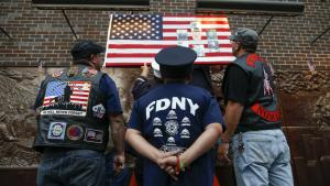 Terrorangrebet på World Trade Center skete før man kunne hashtagge sine sorger. En amerikaner beskriver, hvordan man sørgede kollektivt før Facebook, Twitter og Instagram.