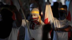 Onsdag samles Bahrains opposition endnu en gang til protest i det lille olierige land i den Persiske Golf. Men informationerne er få, da stort set ingen udenlandske journalister har fået lov at rapportere fra landet, og de lokale myndigheder har slået hårdt ned på borgerjournalister