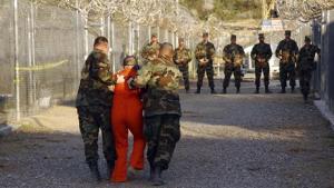 Læger og andet sundhedspersonale blev af CIA og det amerikanske forsvarsministerium pålagt at udføre tortur på formodede terrorister i kølvandet på 11. september-angrebene