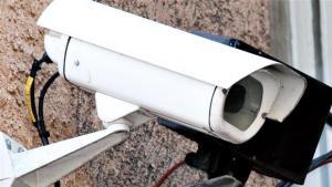 Enhedslisten vil have fjernet overvågningskameraer fra alle offentlige steder. Overvågningssamfundet har taget overhånd, mener partiets retsordfører.