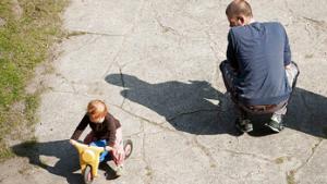 Er mænd først angivet som far, er det næsten umuligt at få det ændring på grund af børneloven.