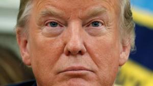 Der er ikke tale om et kup mod Trump, skriver Adam Serwer i The Atlantic, i kølvandet på den anonyme kronik i NYTimes. Det amerikanske demokrati er truet af Det Republikanske Parti, som i mangt og meget følger præsidentens autoritære impulser, fordi det er til deres egen, ikke befolkningens, fordel