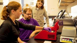 Det er lykkedes forskere fra University of Washington at kode malware ind i fysisk DNA, for derefter at koble det til en computer og bruge det til at hacke sig ind i systemet.