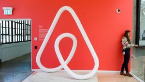 Hvad er sideeffekterne af et firmas succes? I tilfældet Airbnb har der fundet en 'disruption' sted for hotelbranchen næsten overalt i verden. Men det er ikke det eneste resultat