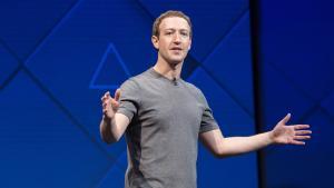 Måden Facebook indsamler og anvender brugeres data på, er ikke forenelig med firmaets ønske om at genvinde brugernes tillid, skriver Jason Kint