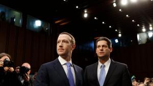 Midt i en række af alvorlige kriser for Facebook, besluttede ledelsen at hyre et team af politiske PR-folk. Opgaven var at generere konspirationsteorier, der ville miskreditere firmaets kritikere. Kampagnen kørte samtidig med at en undskyldende Mark Zuckerberg mødtes med politiske ledere i USA og Europa, som en del af firmaets imagepleje