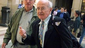Litteraturprofessoren, som blev glødende anti-semit og regnes for at være Holocaust-benægtelsens fader, er død i sit hjem i Vichy. Den skandaliserede professor blev 89